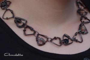 Amuletta - turmalin szívecskés nyaklánc antikolva